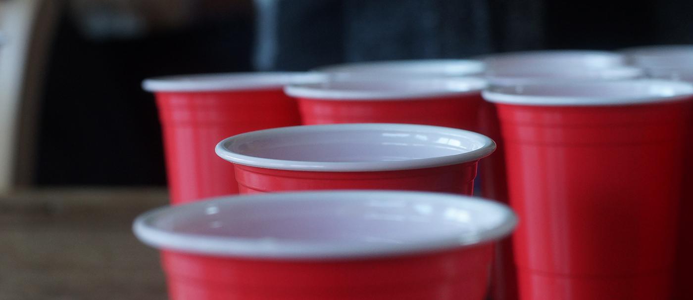 flip cup dryckesspel